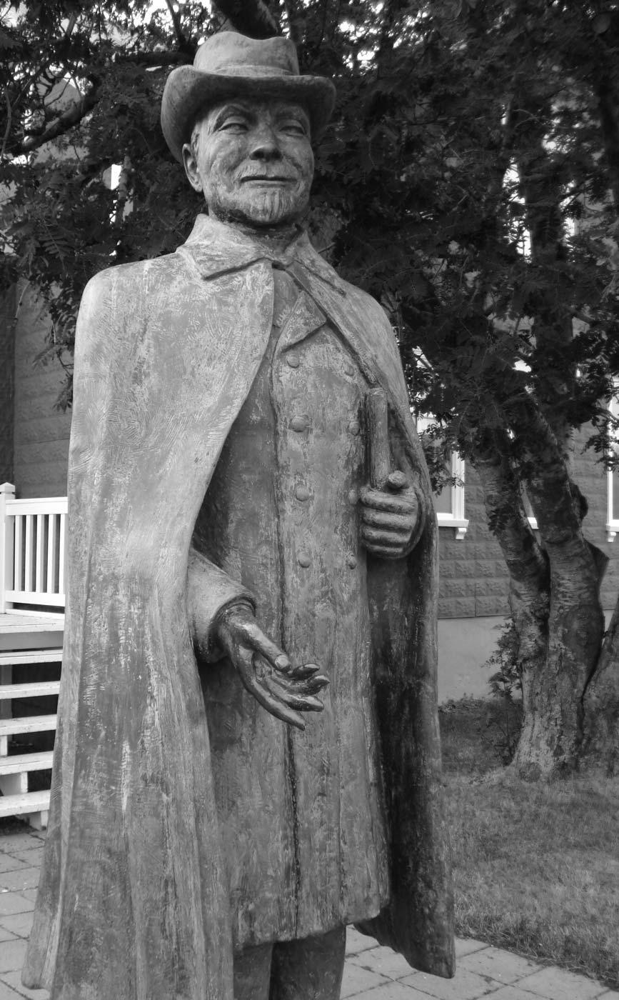 Jon-Sveinsson-Statue